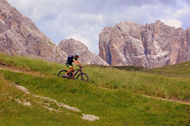 Co to jest rower górski? Zasady doboru roweru górskiego